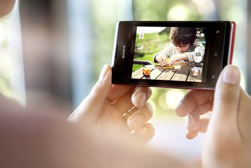 Sony xperia e 1 red video.jpg